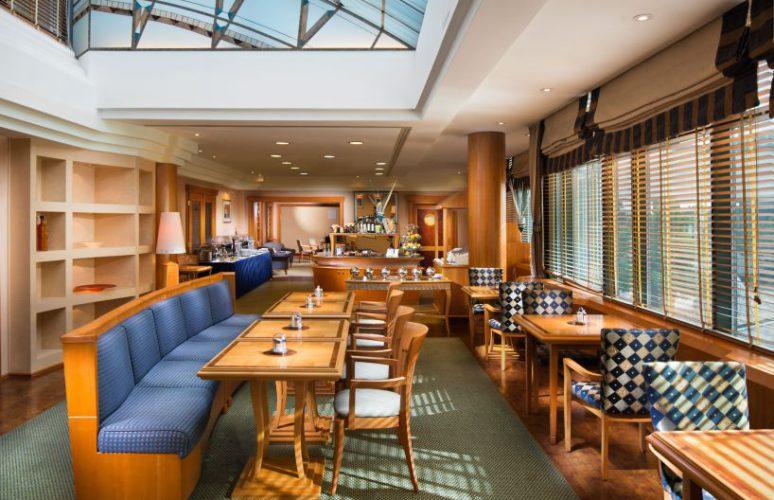 Aquincum-hotel-budapest-executive-lounge-818x545