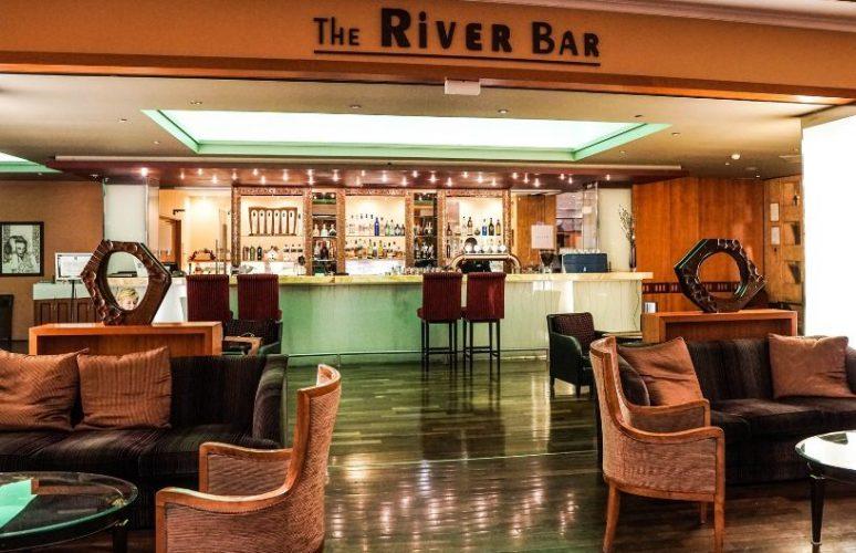 Aquincum-hotel-budapest-river-bar1