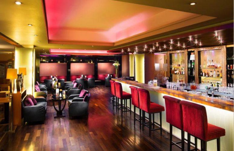 Aquincum-hotel-budapest-river-bar2